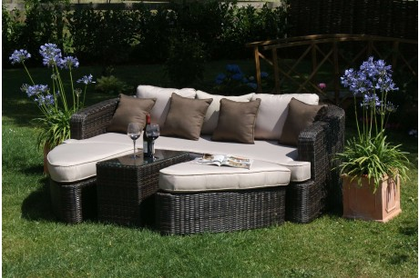 Maze rattan toronto garden furniture daybed rattan for Outdoor furniture toronto