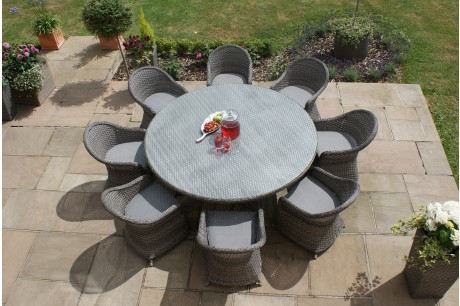 Maze Rattan - Victoria 8 Seat Round Garden Dining Set With Rounded Chairs