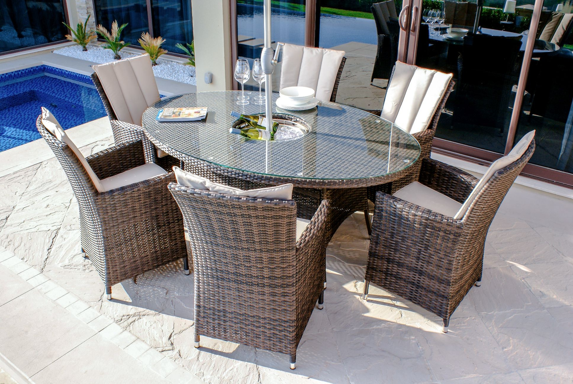 Maze Rattan La 6 Seat Oval Rattan Furniture Set With Ice