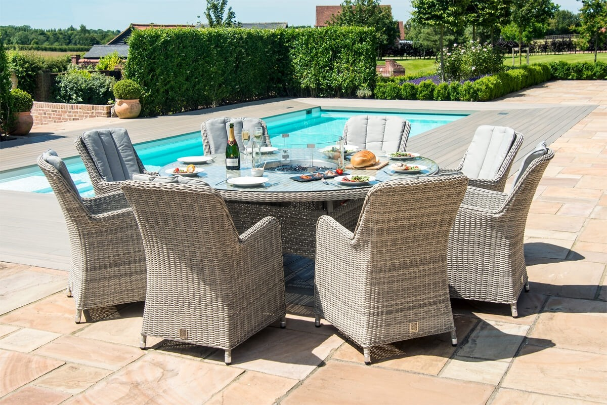 Picture of: Maze Rattan Oxford 8 Seater Round Venice Fire Pit Dining Set