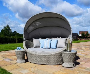 Maze Rattan Oxford Garden Furniture Daybed with Side Tables