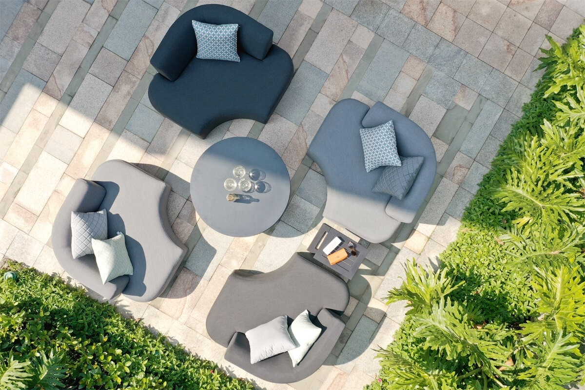 Maze Snug Lifestyle All Weather Fabric With Rising Table
