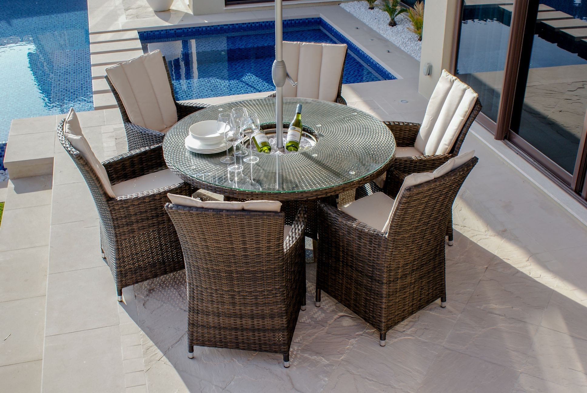 Maze Rattan LA 6 Seat Round Dining Set With Ice Bucket