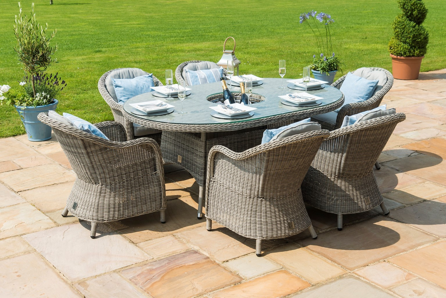 Maze Rattan Oxford 6 Seat Oval Dining Set With Rounded