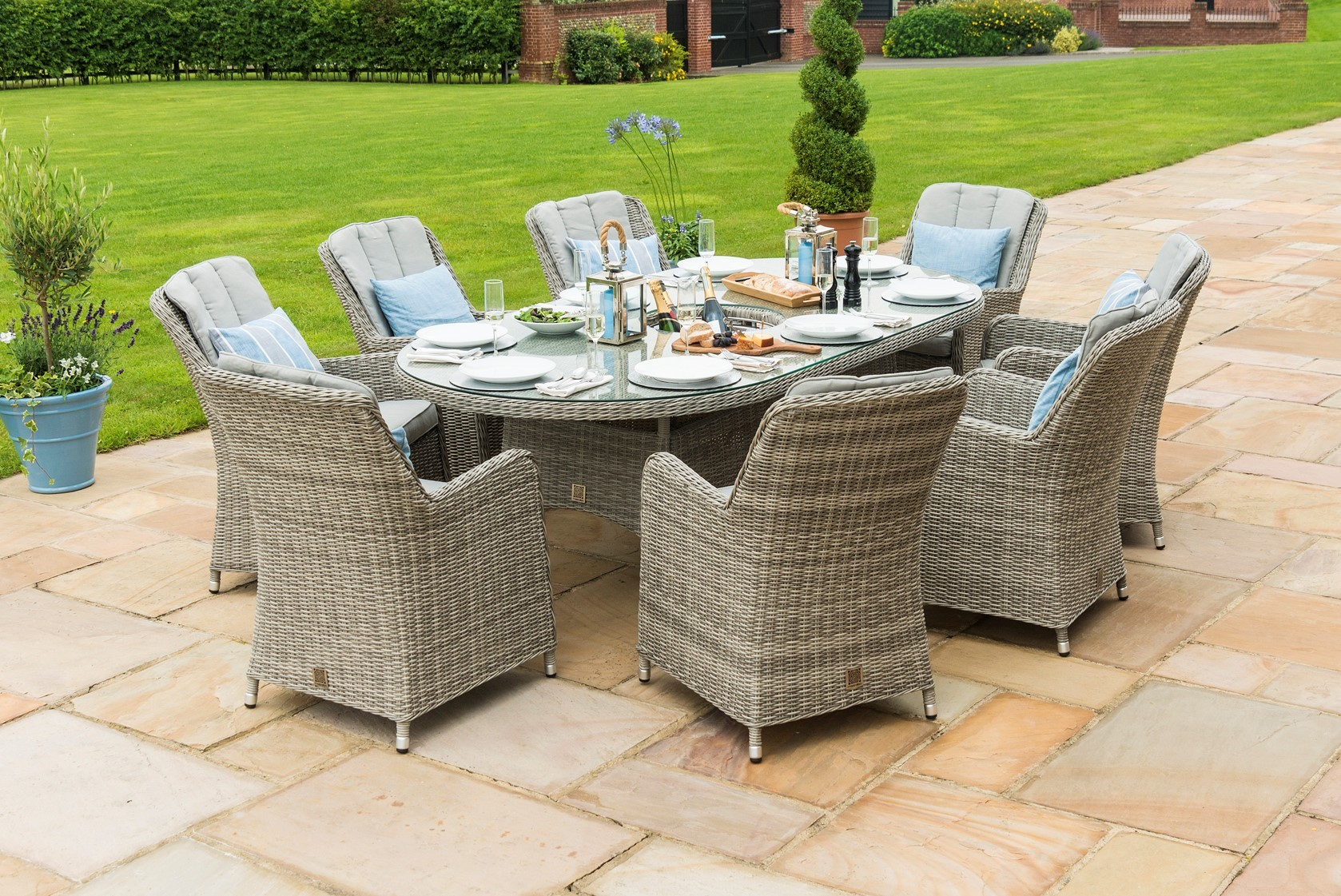 Maze Rattan Oxford 8 Seat Oval Ice Bucket Dining Set And