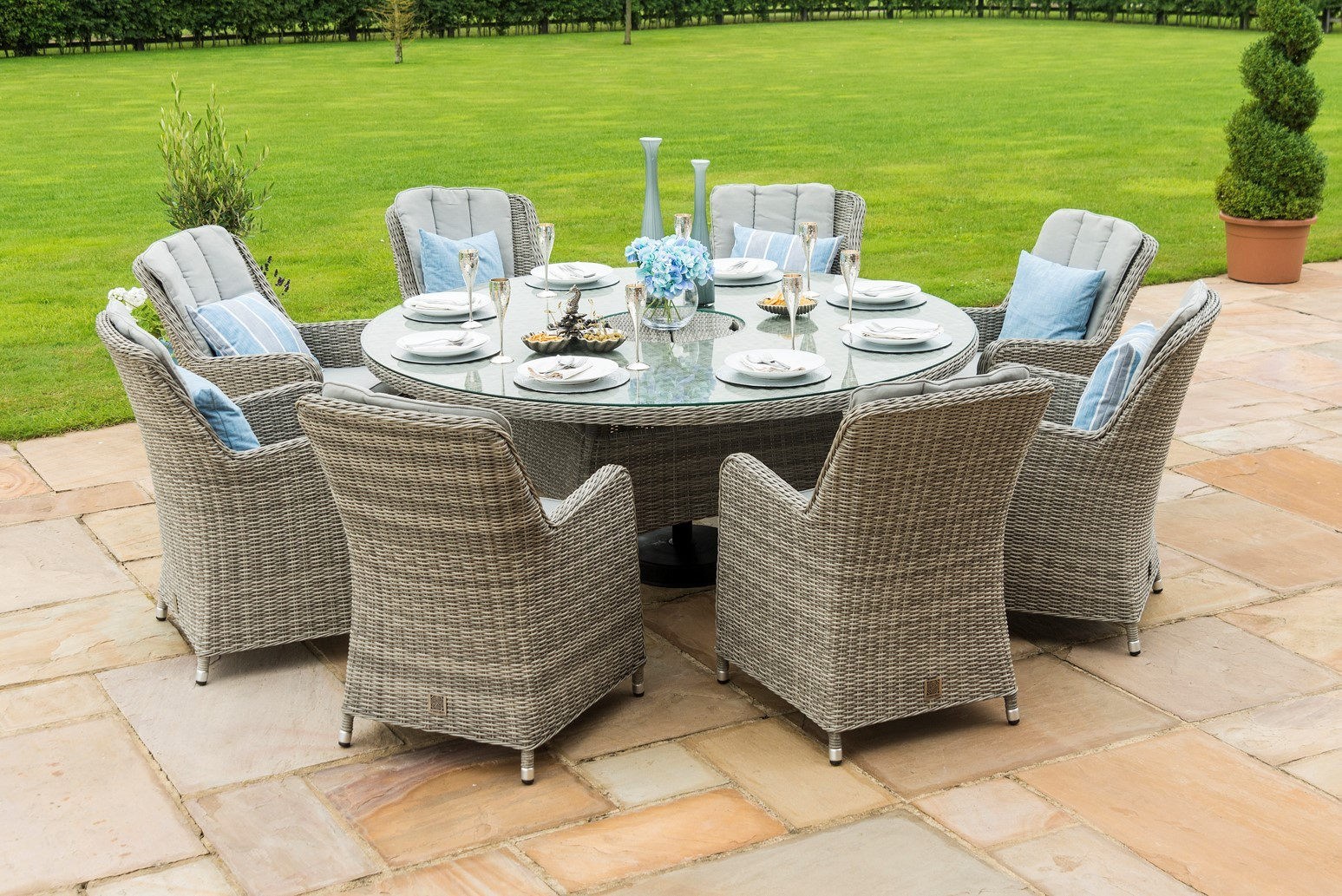 Maze Rattan Oxford 8 Seat Round Ice Bucket Dining Set With