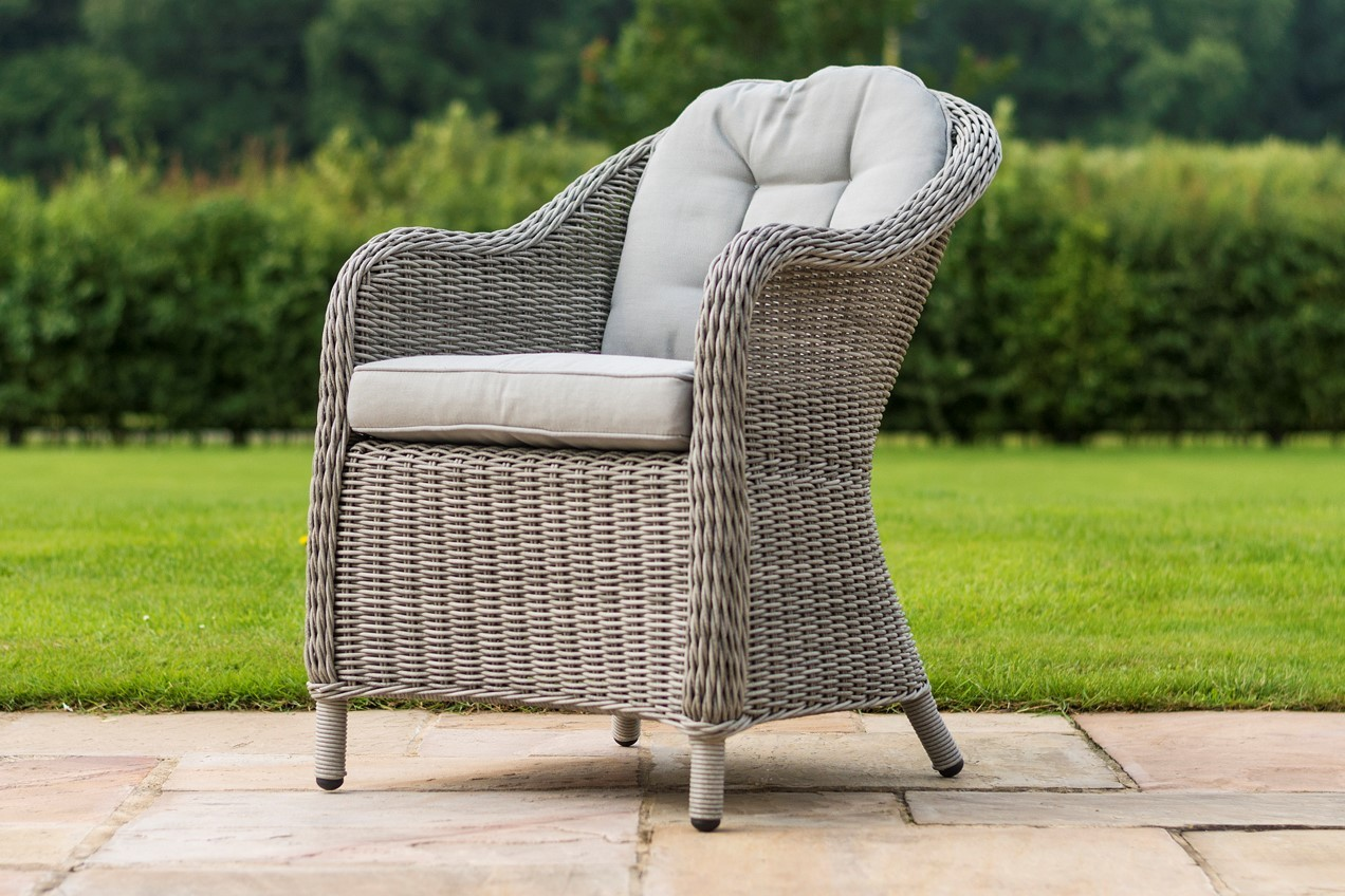 Maze Rattan Oxford 8 Seat Oval Garden Furniture Set With Rounded armchairs