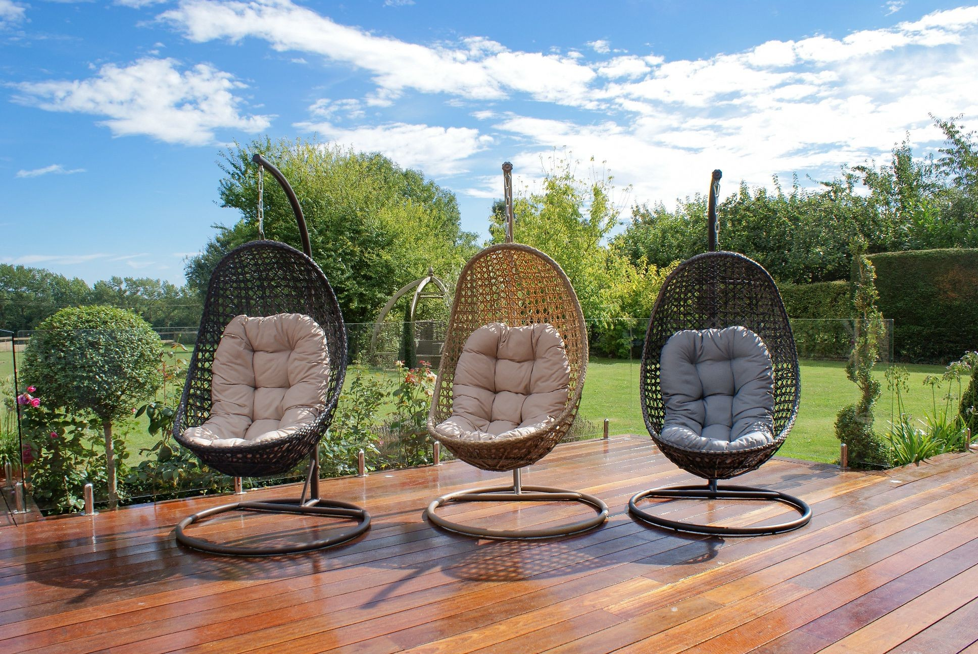 Malibu Hanging Chair – Compelling You To Surrender With Temptation