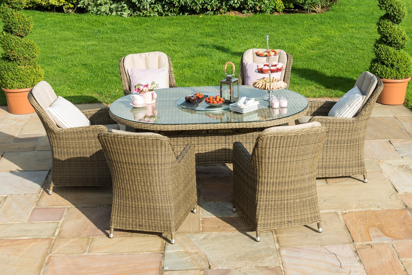 Maze Rattan Winchester 6 Seat Oval Ice Bucket Dining Set