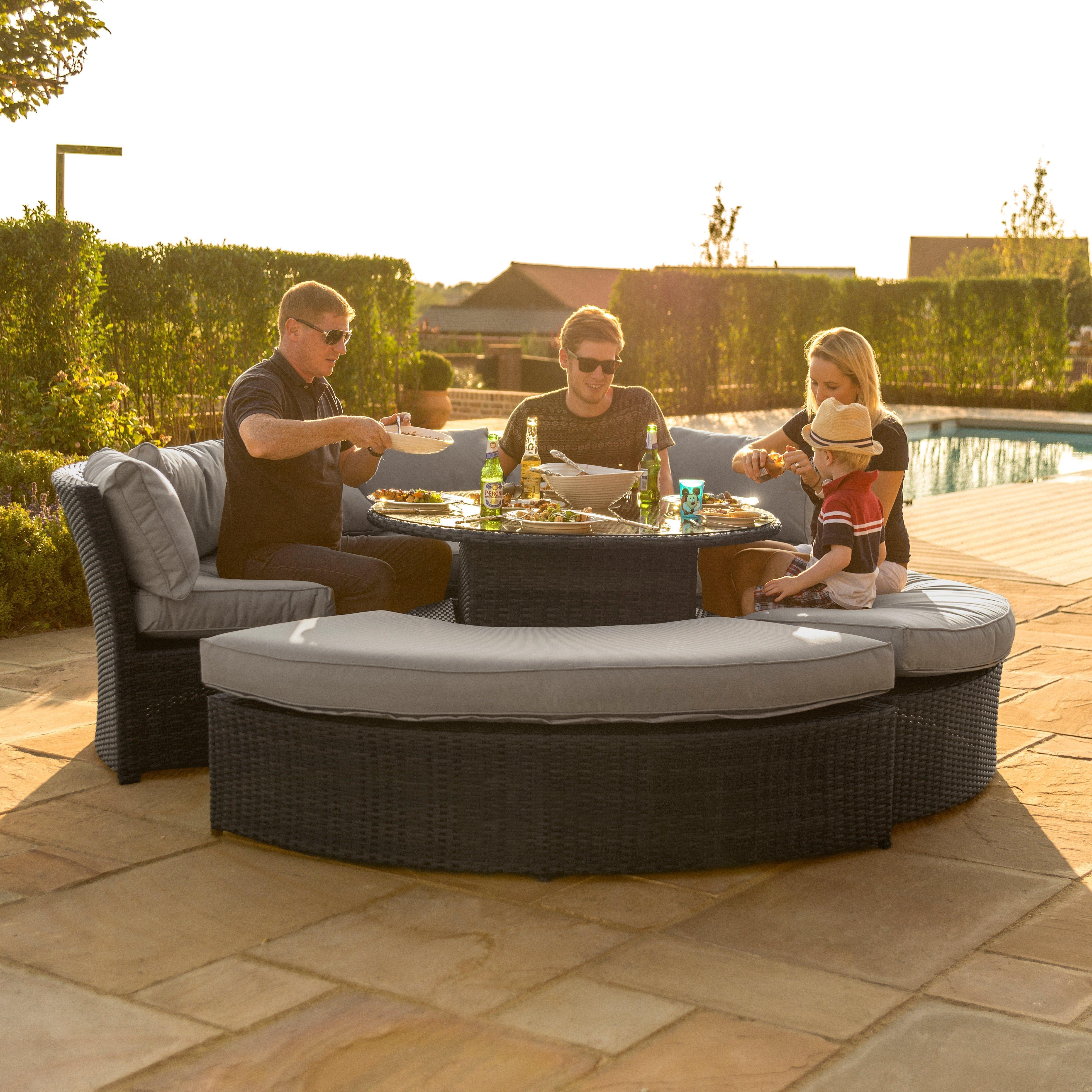 Maze Rattan Chelsea Lifestyle Suite