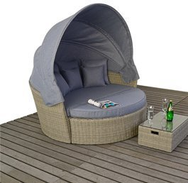 outdoor wicker lounges